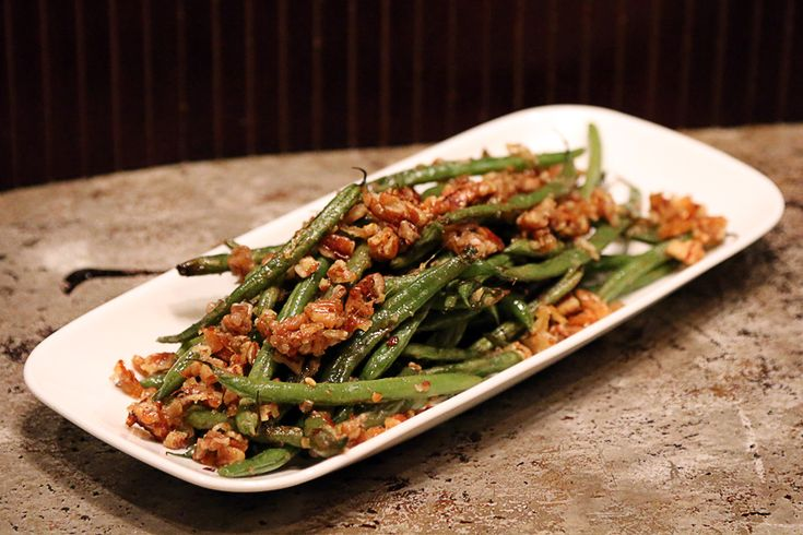 Roasted Pecan Green Beans -- makes 4 servings, each serving is 273 Calories, 25.3g Fats, 5g Net Carbs, and 5.5g Protein.