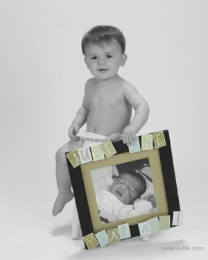 cute idea for a One Year photo- THat WOULD BE AWESOME FOR THE NEPHEW!!!