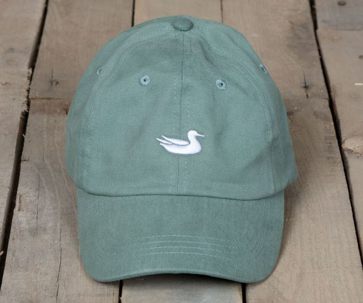 The Southern Marsh Hat is a classic take on an everyday staple. We started with fine twill fabric and put it through several washes to give it a soft, broken-in feel from the first wear. After the was