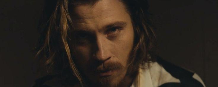 Garrett Hedlund no clip da música Beutiful War do Kings of Leon #garretthedlund #kingsofleon #beautifulwar