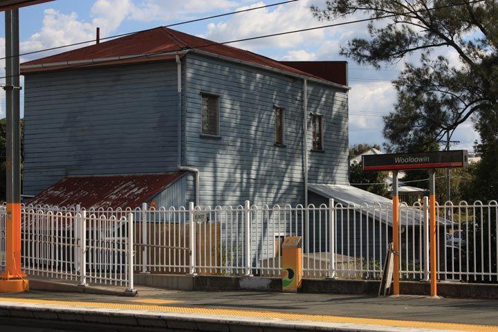 wooloowin train station fencing queensland rail. Black Bedroom Furniture Sets. Home Design Ideas