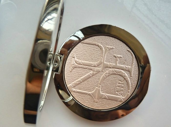 Dior Diorskin Nude Air Luminizer Powder 002 Review - blogs de Beauty and Cosmetics https://link.crwd.fr/3xr1