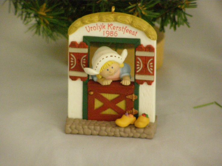 1986 Windows of the World #2 Vrolyk Kerstfeest Hallmark Ornament by parkie2 on Etsy