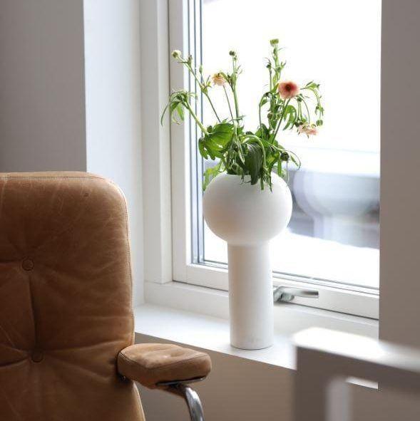 32cm Cooee Design Vase Pillar Black