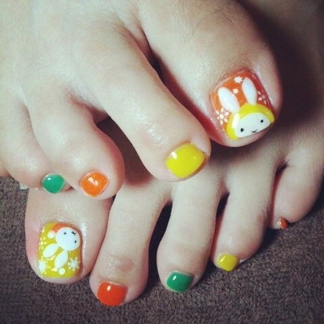 Miffy toes!