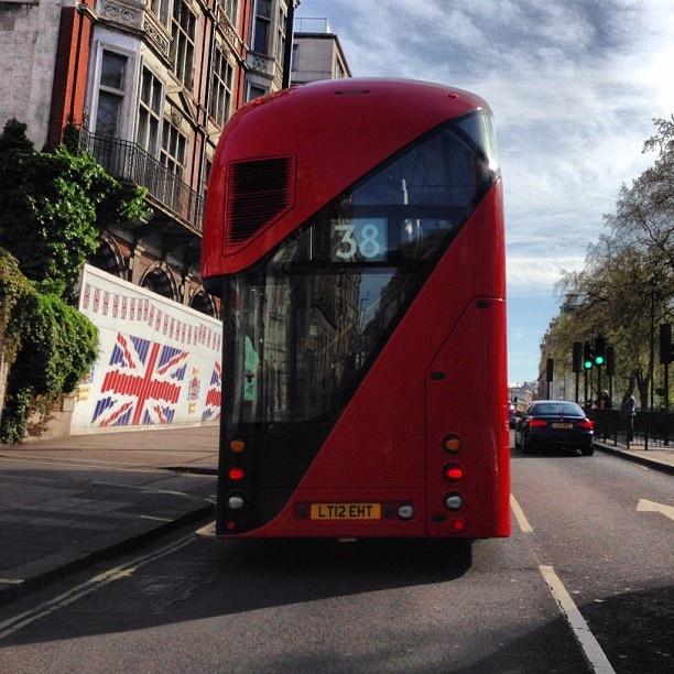 Thomas Heatherwick designed London bus #takenbyPaul