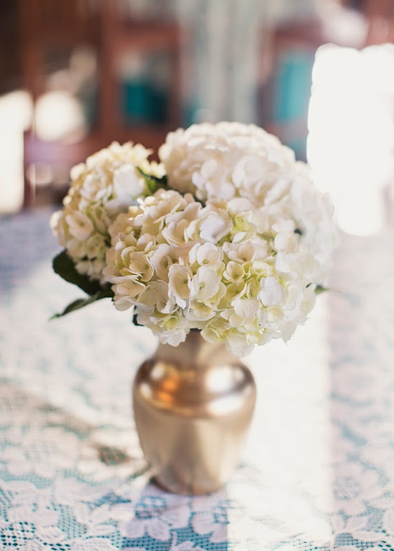 Simple Hydrangea Centerpiece By Blossom Sweet The Work