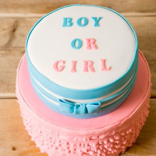 A boy or a girl? What would it be? This recipe for a gender reveal cake is perfect for telling your family and friends what you are expecting! Also great for a baby shower.  Gender reveal cake - Cake - Recipes  | Deleukstetaartenshop.com