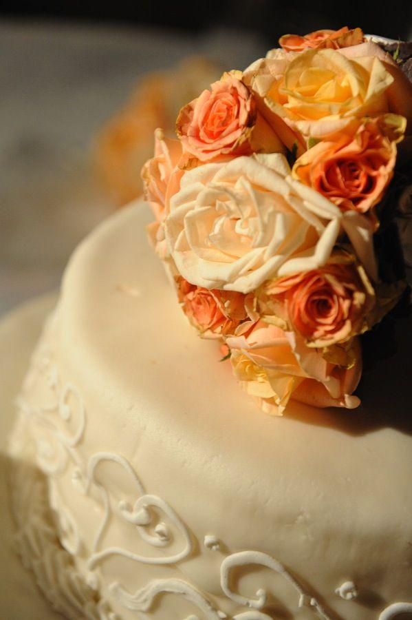 la nostra torta di nozze....a metà !!! www.lecerimonie.it