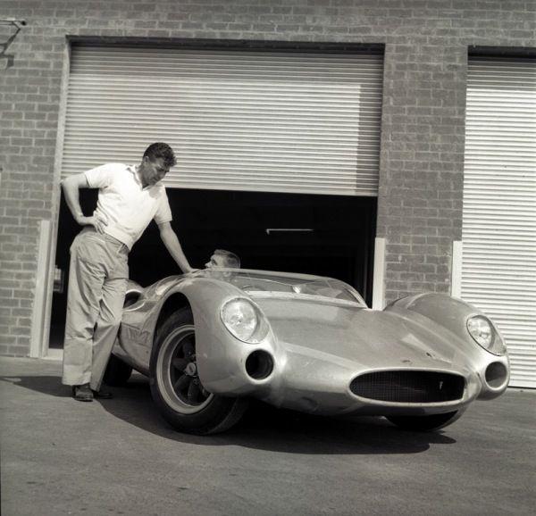 Carroll Shelby, Cobra sports racer