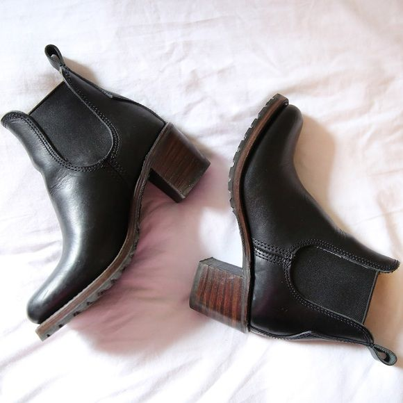 The Frye Company Sabrina Chelsea size 6.5 The Frye Company Sabrina Chelsea boots. Online now for full price. Size 6.5 only worn a couple of times. Frye Shoes Ankle Boots & Booties
