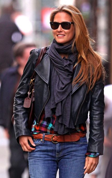 Bar Refaeli. The undisputed master of dressing up a pair of jeans.