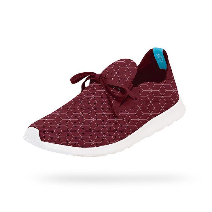 554150012.558124_APOLLO MOC EMBROIDERED • CVLR RED/SHELL WT/BOXES EMB Attenzione: questa scarpa è sovraccarica di energia positiva. Realizzata in microfibra perforata con motivi ricamati e suola in EVA (Etilene-acetao di vinile). Resistente agli odori e agli urti.  #native  #scarpe  #blakshop