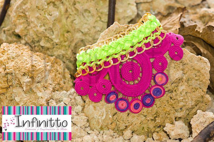 Collar Tukano verde neón.  Para más información acerca de nuestros accesorios visita nuestra página infinittoaccesorios.com.