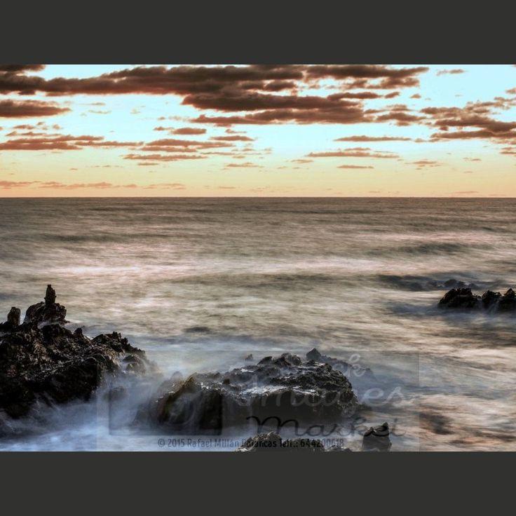 Amanecer en el mar. Primeras rocas #love #sea #sunset