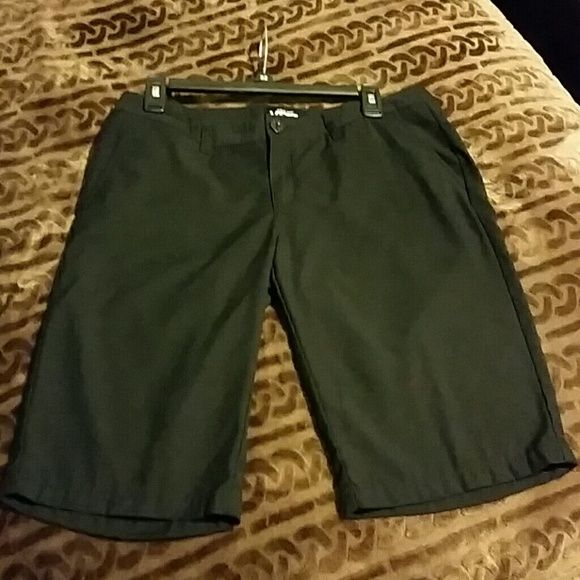 Vans Bermuda Shorts Women's Vans Bermuda Shorts, worn & washed once! In perfect condition, ready for the beach! Purchased at a Vans store last summer, too big for me :) Vans Shorts Bermudas