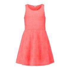 CoolCat A-lijn jurkje met all-over aztec patroon van gaatjes voor meisjes. De jurk heeft een normale fit, ronde hals en is mouwloos. De jurk heeft een elastieken band in de taille en heeft een onderrok. De jurk heeft een open detail op de achterkant. Lengte maat 134/140: 71 cm  Materiaal: 95% polyester/5% elasthan Stijl naam: CG Nethnic Artikelcode: 4NF4097024
