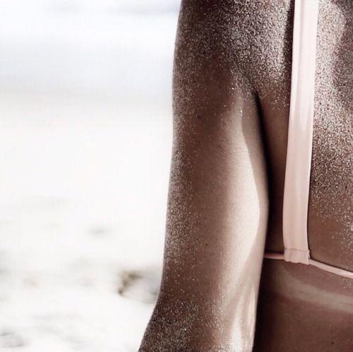 feeling the sea sand on my skin and enjoying the beach day