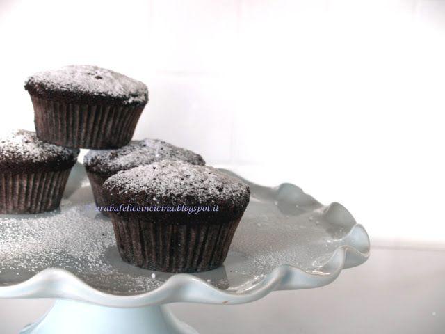 Muffins al cioccolato...di Starbucks! (Provati! 10/10 lo zucchero si può abbassare a 100g e lo olio si può sostituire con acqua, aggiungere un cucchiaino di lievito in più)