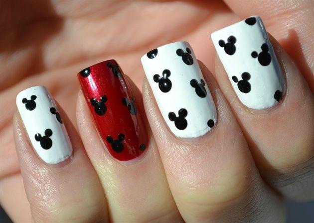 nailarting Red White Mickey disney Mickey Mouse Nail Designs. nailarting.com