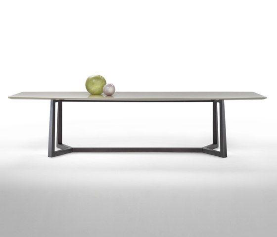 Esstische | Tische | Gipsy tavolo | Flexform. Check it out on Architonic