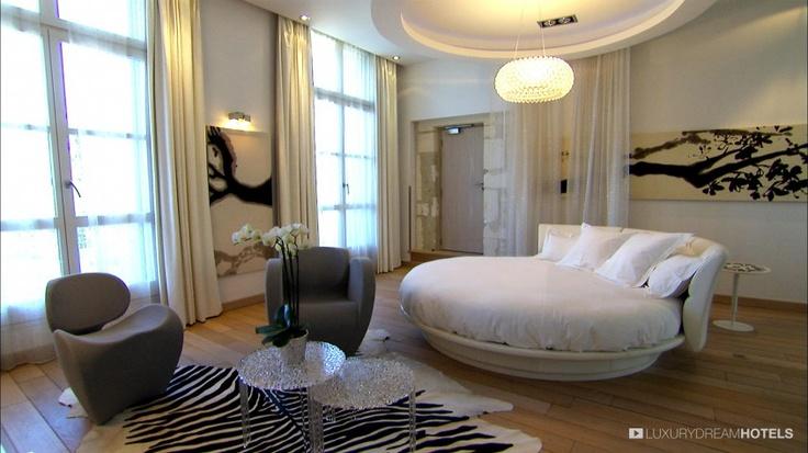 A #contemporaryhotel amidst the vineyards - Domaine de Verchant, Castelnau le Lez, France #luxurydreamhotels
