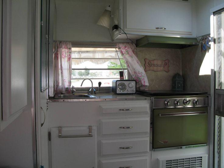 Amazing Vintage Camper Kitchen Ideas