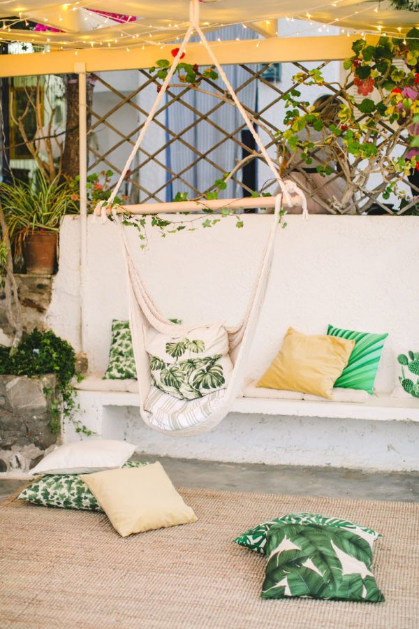 Tropical wedding decor: http://www.stylemepretty.com/2017/03/10/anafi-greece-wedding/ Photography: Anna Roussos - http://www.annaroussos.com/