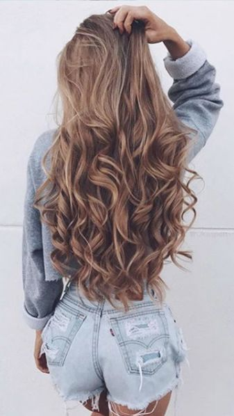 Hello beautiful hair! Who's hair do you swoon over on Instagram or Pinterest?