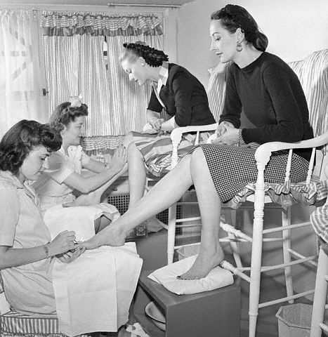 Pedicure #spaanywhere Love the Vintage!