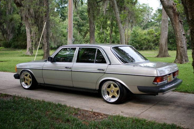 Lowered W123 picture thread? (not for purists) - Page 7 - Mercedes-Benz Forum