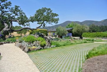 12 best images about lr driveway pavers on pinterest for Grid landscape design