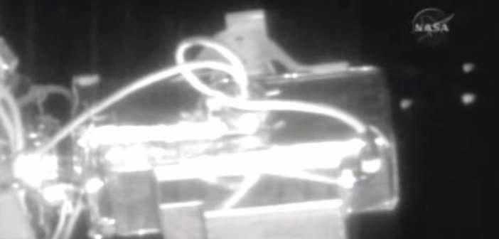 Nasa interrompe transmissão ao vivo,ao ver frota de óvnis passando pela ISS.