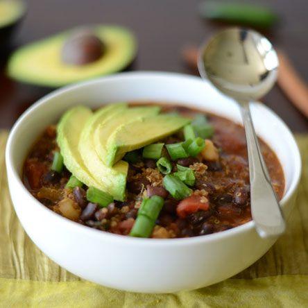 Black Bean & Quinoa Chili by fitfoodiefinds #Chili #Black_Bean #Quinoa #Healthy