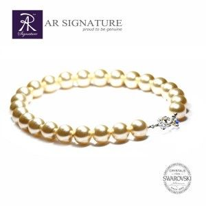 Everlasting Design by AR Signature.  Vasillisa Necklace, made with Crystal Pearls from Swarovski.  Big sized 16MM pearls made by Swarovski AG , combine with silver strand and Argentium Silver really will made you stand out.  Simple design, yet who can denied the beauty of Pearls...