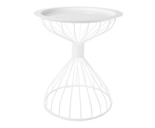 Sichern Sie sich den Tablett-Tisch KELLY TRAY von Zuiver in Sanduhr-Silhouette und lassen Sie sich von dem avantgardistischen Design inspirieren. Dieses Modell passt perfekt in Räume, die glamourös oder exzentrisch gestaltet sind. Auch mit dem beliebten Boho-Style funktioniert dieser Tisch optimal. KELLY TRAY ist aus verchromtem Metall gefertigt, das im weißen Edellook erstrahlt. Die feinen Stäbchen formen eine Sanduhr-Silhouette, die dem Modell eine spannende Dynamik verleiht. Auf der…