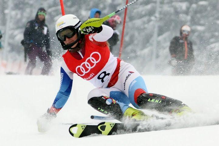 """© Gerwig Löffelholz / Priska Nufer - FIS Europacup Slalom Damen, 10./11. Januar 2013: Zwei Europacup Rennen auf Melchsee-Frutt - Am 7. FIS Europacup Slalom Damen werden starke Fahrerinnen aus über 20 Nationen erwartet. Die Vorbereitungen auf der anspruchsvollen Rennpiste """"Cheselen"""" für ein Tagrennen am 10. Januar und ein Nachtrennen am 11. Januar laufen auf Hochtouren......."""