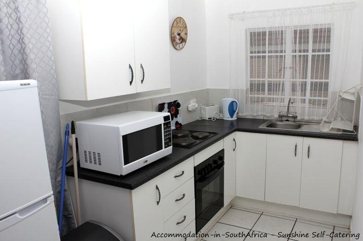 Sunshine Self Catering kitchen. http://www.accommodation-in-southafrica.co.za/Mpumalanga/Nelspruit/SunshineSelfCatering.aspx