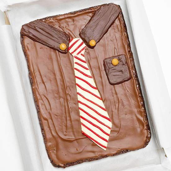 Dad will love this Shirt-and-Tie Father's Day Cake! Find more creative Father's Day treats: http://www.bhg.com/holidays/fathers-day/recipes/creative-ideas-for-fathers-day-treats/?socsrc=bhgpin061412