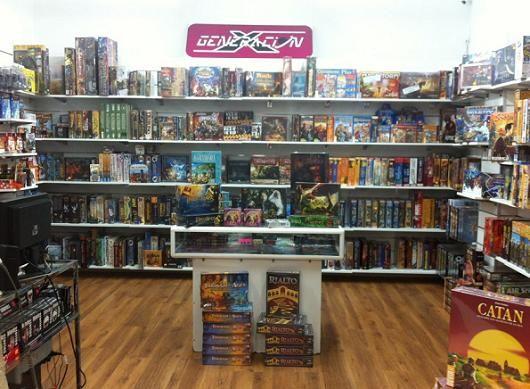Generación X: Una de las mejores tiendas de cómics de Madrid (¡con sus propios billetes!) | DolceCity.com