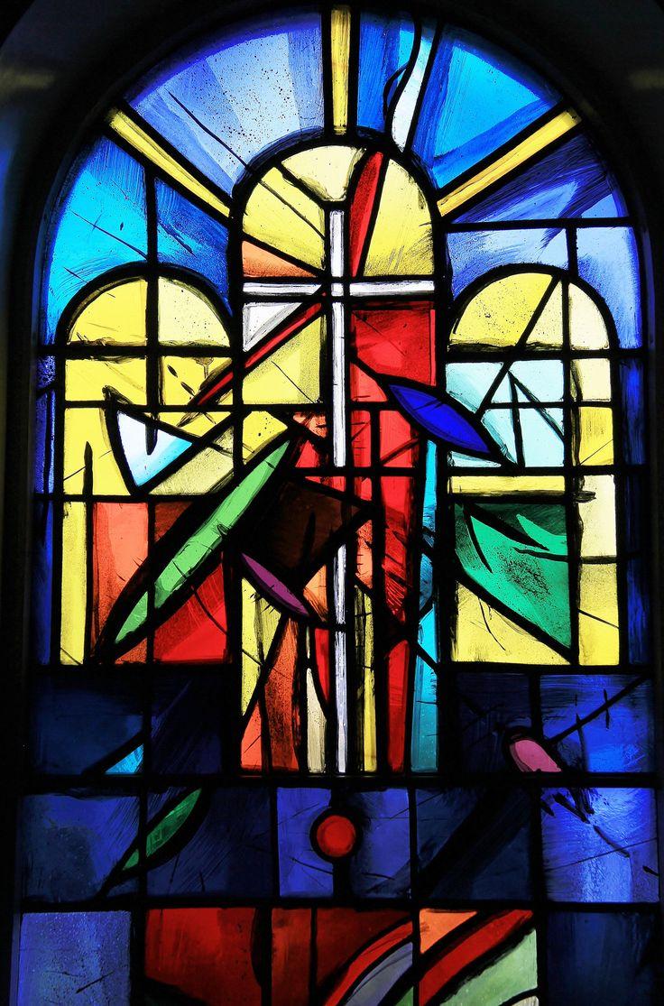 Stained glass window flateyri church iceland 9 for Art glass windows