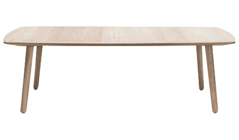 The Wake coffee table, oak by Bolia boasts a top finish in matt lacquered oak, with a frame finish in matt lacquered oak. Designed by Glismand & Rüdiger, this beautiful rectangular coffee table is the perfect compliment to a minimalist living room.
