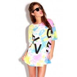 Multicoloured tie-dye oversized t-shirt ♥ Festival Trend ♥ Spring/Summer ♥ Fabric: 95% Polyester, 5% Elastane