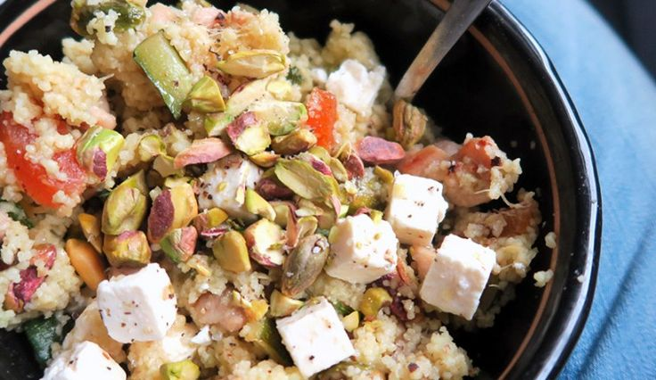 Couscous met pistache, abrikoos, kip, courgette en feta