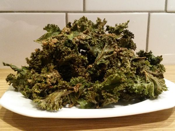 Grünkohl mal anders: Kale Chips selber machen | eatsmarter.de