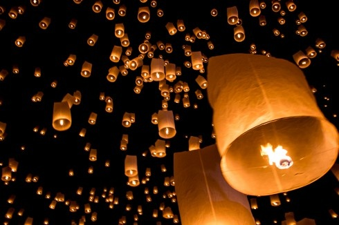 The Raise of the Lanterns - Yee Peng Festival in Chiang Mai, Thailand #travel