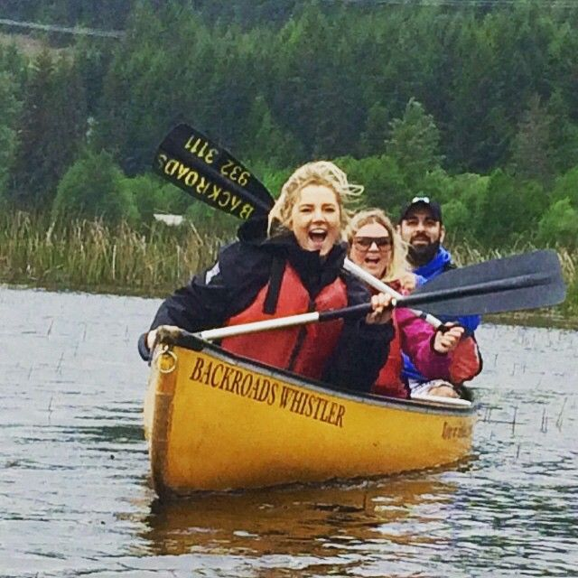 Our #spa team enjoying the #RiverOfGoldenDreams yesterday with #Backroadswhistler! #nitalakelodge #teamnita #whistler #canoe #adventure #summerinwhistler #thefacesofnitalakelodge #whistleractivities #smiles #onlyinwhistler #lovesummers #whatevertheweather #beautifulBC #exploreBC #lovewhistler #NitaGetaway #paddle #canada  #lifeatthelodge