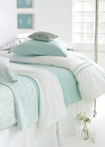so pretty, turquoise/aqua and white bed linens