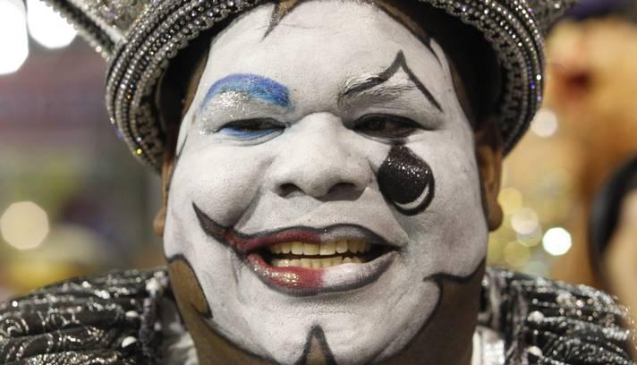 Rei Momo abre o desfile do Grupo Especial Foto: Gabriel de Paiva / Agência O Globo