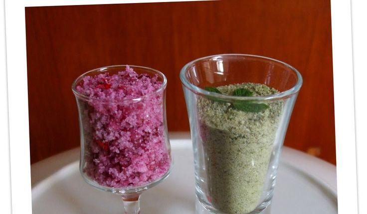 Un'idea favolosa di aromatizzare lo zucchero, l'ho presa dal forum di Anna , la strega delle erbe ;-) Zucchero aromatizzato alla menta Ser...